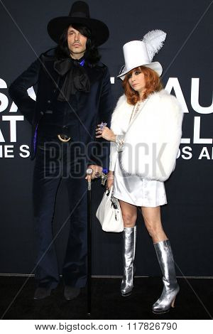 LOS ANGELES - FEB 10: J D King, Linda Ramone arriving at the Saint Laurent fashion show at the Hollywood Palladium on February 10, 2016 in Los Angeles, California