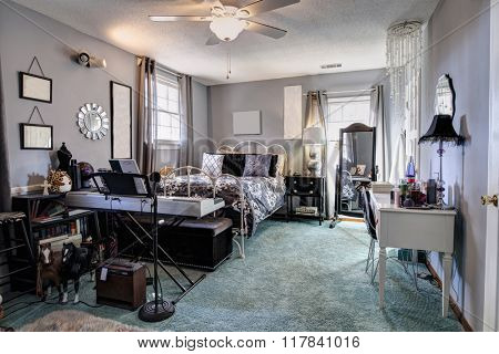 Stylish teenage girl's room fully decorated