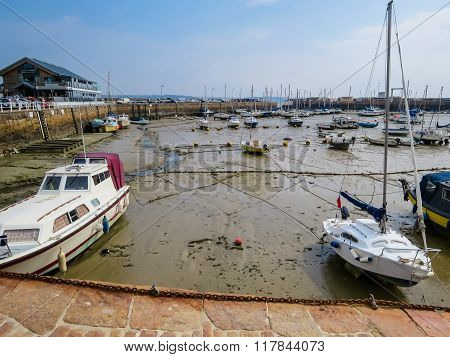 Yachts in a harbour during outflow