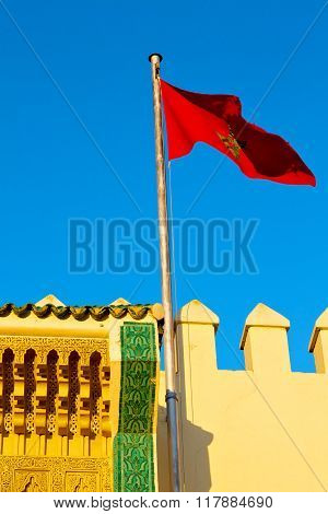 Tunisia  Waving Flag In The  Sky  Colour And Battlements  Wave