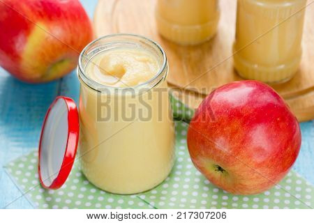 Homemade apple puree for healthy baby food