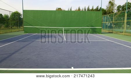 Tennis knock board on a sunny day