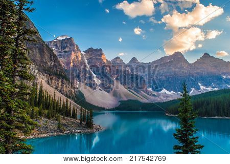 Scenic view of lake Moraine at Banff