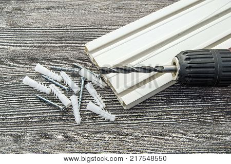 materials required for installing curtain teeth, dowel screws and screwdrivers, Materials needed for installing curtain cornice