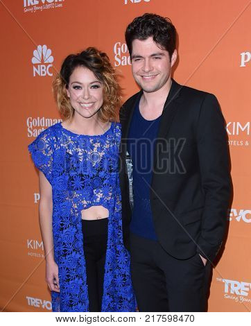 LOS ANGELES - DEC 03:  Tatiana Maslany and Ben Lewis arrives to the TrevorLive Los Angeles Gala on December 3, 2017 in Beverly Hills, CA