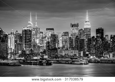 West New York City Midtown Manhattan Skyline View From Boulevard East Old Glory Park Over Hudson Riv