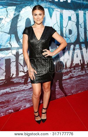 LOS ANGELES - AUG 12: Lindsey Shaw at the Premiere Of SyFy's
