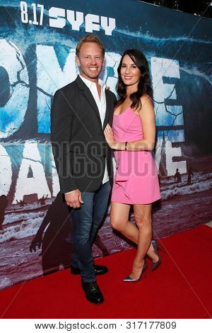 LOS ANGELES - AUG 12: Ian Ziering, Erin Ziering at the Premiere Of SyFy's