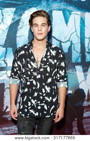LOS ANGELES - AUG 12: Ricardo Hurtado at the Premiere Of SyFy's