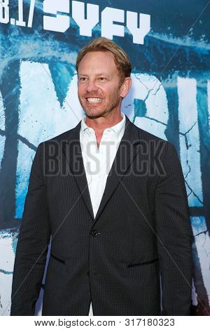 LOS ANGELES - AUG 12: Ian Ziering at the Premiere Of SyFy's