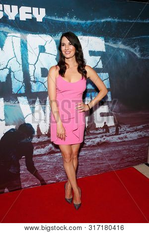 LOS ANGELES - AUG 12: Erin Ziering at the Premiere Of SyFy's