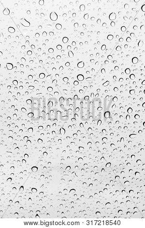 Water Drops Background , Rain Drops On Glass