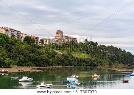San Vicente De La Barquera, Spain : 2019 May 9 : Panoramic Views To San Vicente De La Barquera Tradi