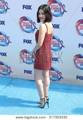 LOS ANGELES - AUG 11:  Lucy Hale at the Teen Choice Awards 2019 at Hermosa Beach on August 11, 2019 in Hermosa Beach, CA