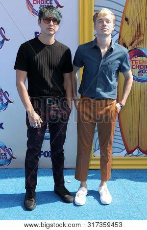 LOS ANGELES - AUG 11:  Colby Brock, Sam Golbach at the Teen Choice Awards 2019 at Hermosa Beach on August 11, 2019 in Hermosa Beach, CA