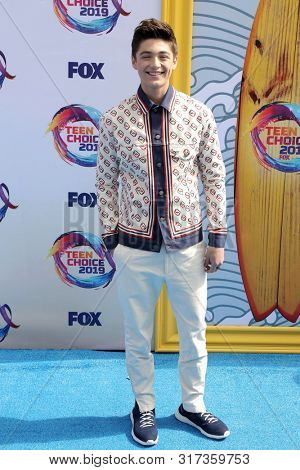 LOS ANGELES - AUG 11:  Asher Angel at the Teen Choice Awards 2019 at Hermosa Beach on August 11, 2019 in Hermosa Beach, CA