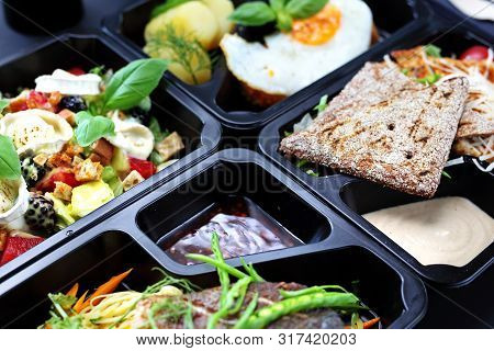 Healthy Meal Prep. Diet With Home Delivery