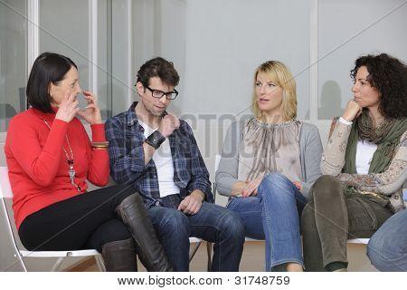 construção de equipes, discussão em grupo ou terapia