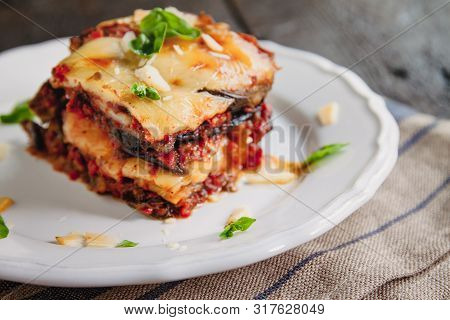Tradicional Parmigiana Di Melanzane: Baked Eggplant - Italy, Sicily Cousine.baked Eggplant With Chee