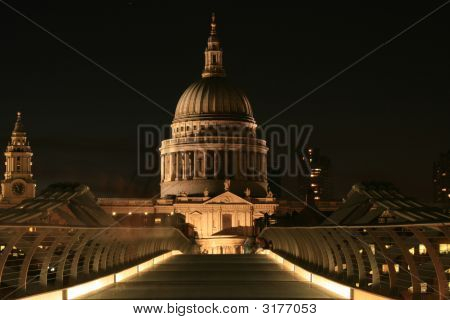 St Pauls From The Millenium Bridge