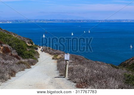 Point Loma, California/usa - August 17, 2019:  People Walk Near The Trailhead Of The Bayside Trail A
