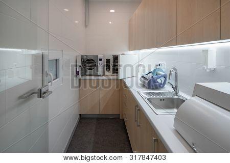 Contemporary Dental Clinic With Light Interior And Hi-tech Equipment