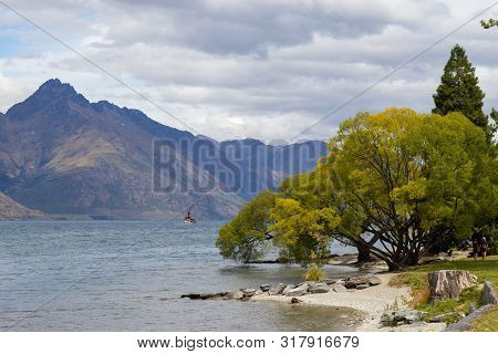 Lakeside Of Wakatipu Lake In Queenstown, Nz