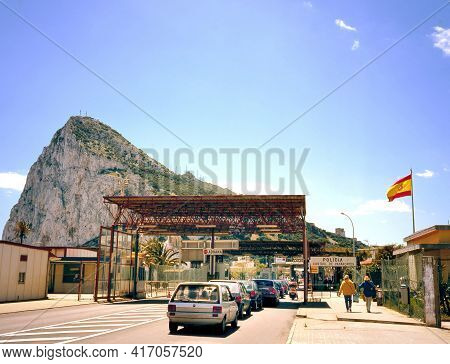 La Linea,spain-april 21, 2008: Border Crossing From La Linea Spain Into Gibraltar Cars Are Waiting A