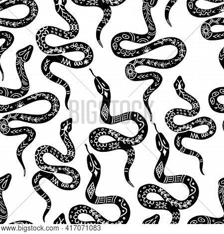 Snake Pattern, Black And White Celestial Serpent Seamless Pattern. Snake Silhouettes In Boho, Mystic