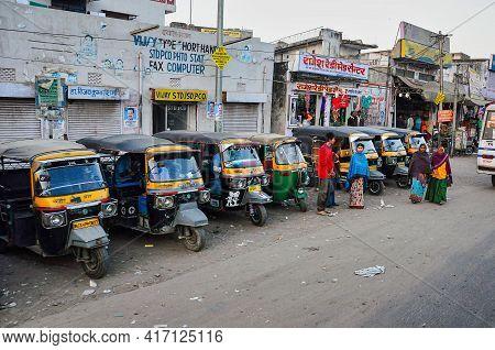 Jaipur, India - Jan 04, 2020: Tuk Tuk Taxis Waiting For Passengers On The Street Near Amber Fort In