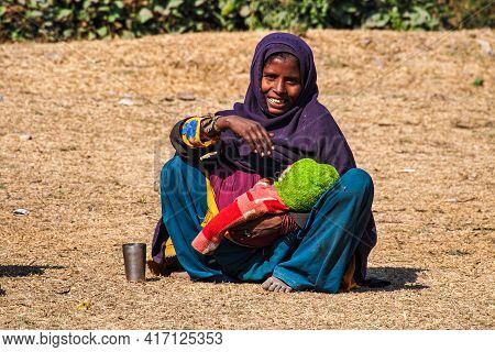 Agra, India - Jan 08, 2020: People Living And Working In The Streets Of Agra In India