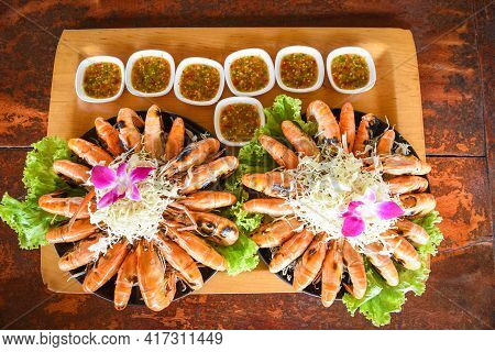 Seafood Buffet Thai Food, Grilled Shrimp Prawn With Fresh Vegetable And Seafood Sauce Shrimps Grille