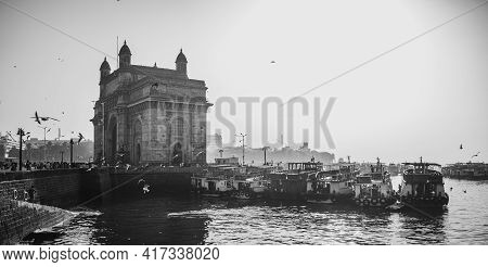 Mumbai, India - March 7, 2021 : The Gateway Of India Is An Arch-monument Built In The Early Twentiet
