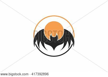 Moonlight Bat Logo. Abstract Moonlight Bat Logo Design Concept. Combination Of Bat And Moon In A Cir