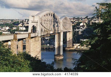 Brunel'S Rail Bridge