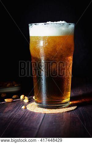 Pinte De Bière à L'heure De L'apéritif