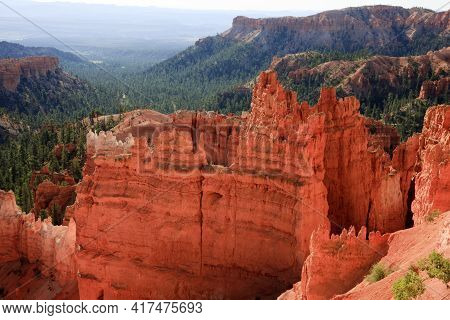 Utah / Usa - August 22, 2015: View Of Hoodoo And Rock Formationat At Bryce Point In Bryce Canyon Nat