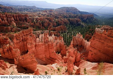 Utah / Usa - August 22, 2015: View At Bryce Point In Bryce Canyon National Park, Utah, Usa