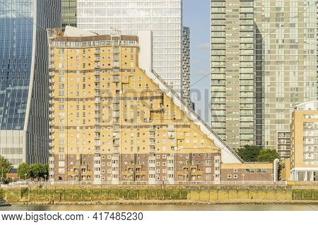 July 2020. London. Canary Wharf And The River Thames, London, England