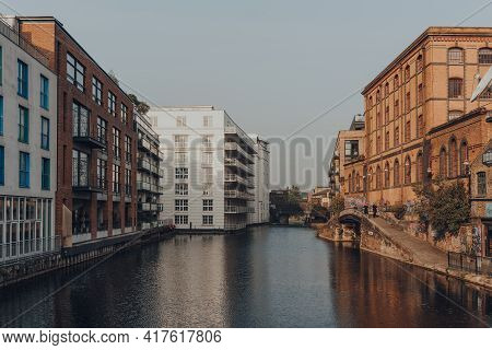 London, Uk - August 12, 2020: Block Of Flats On The Banks Of Regents Canal, The Most Famous Canal In