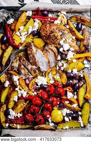 Greek Chicken Sheet  With Vegetable .selective Focus