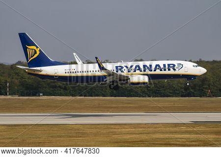 Budapest, Hungary - October 7, 2018: Ryanair Boeing 737-800 Ei-fif Passenger Plane Arrival And Landi