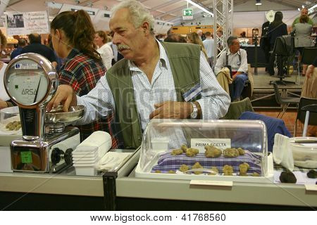 Selling White Truffles
