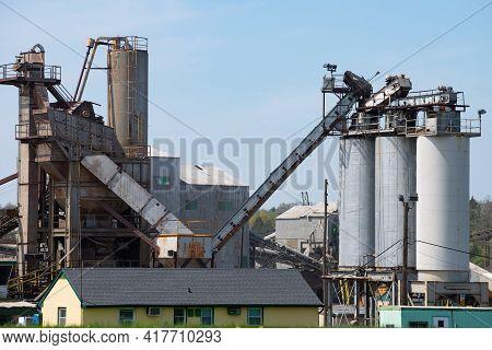 Crushing Plant And Limestone Mine Crush Rock