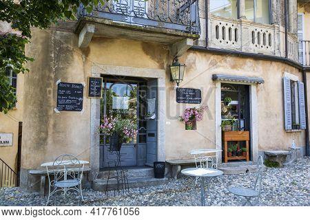 Sacro Monte (va), Italy - June 01, 2020: A Typical Bar And Restaurant Al Pilgrimage Village Of Santa