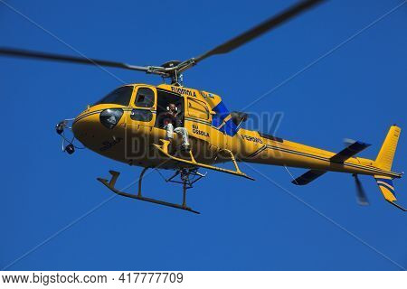 Stresa (vco), Italy - October 04, 2009: Elicopter Flying During The World Offshore Powerboat Champio
