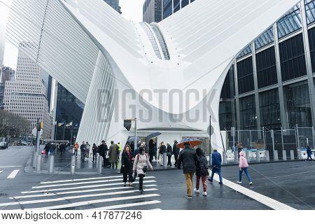 New York City, Usa - April 25,2018 : Futuristic Form Of The Oculus Transportation Hub At World Trade