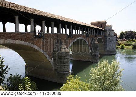 Pavia (pv), Italy - June 09, 2018: The Ponte Coperto (covered Bridge), Also Known As The Ponte Vecch
