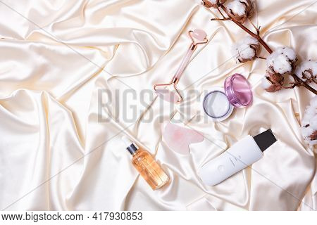 Pink Jade Gua Sha Massage Roller And Ultrasonic Water Peeling
