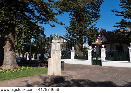 Monument To Jose Tabares Bartlett On Square Of The Supreme Council Of The Canaries. San Cristobal De